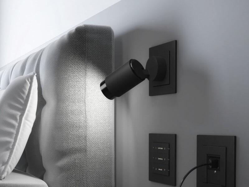 Gira Voorbeeld Sensor lamp usb Iphone aansluiting